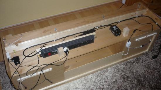 tv kabel verstecken schrank fr fernseher teuer schrank tv verstecken tv kabel verstecken. Black Bedroom Furniture Sets. Home Design Ideas