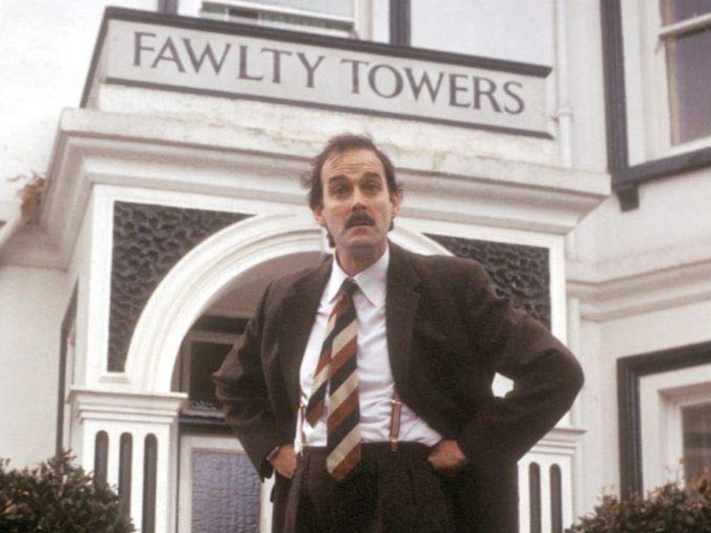Fawlty-Towers-Reviewbild-02.jpg