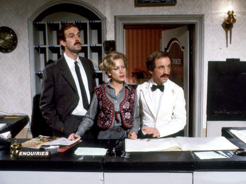 Fawlty-Towers-Reviewbild-04.jpg